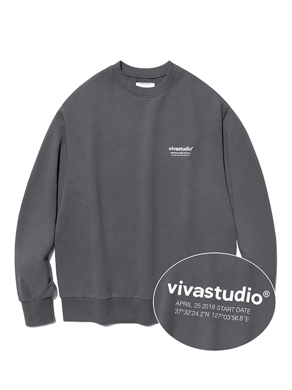 LOCATION CREWNECK JS [CHARCOAL]