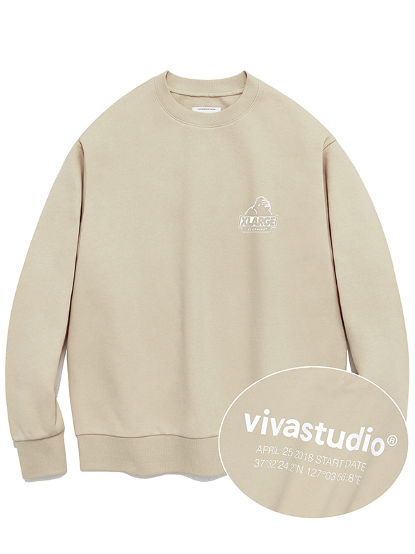 XLARGE×VIVASTUDIO PULL OVER CREWNECK SWEAT [BEIGE]