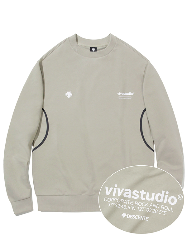 DESCENTE×VIVASTUDIO LOCATION SWEATSHIRT [IVORY]